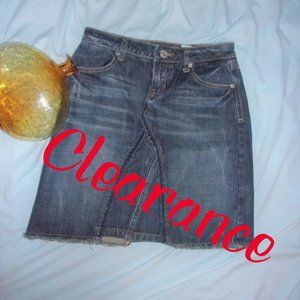 💝4/$15 size 3 demin blue jean womens small skirt